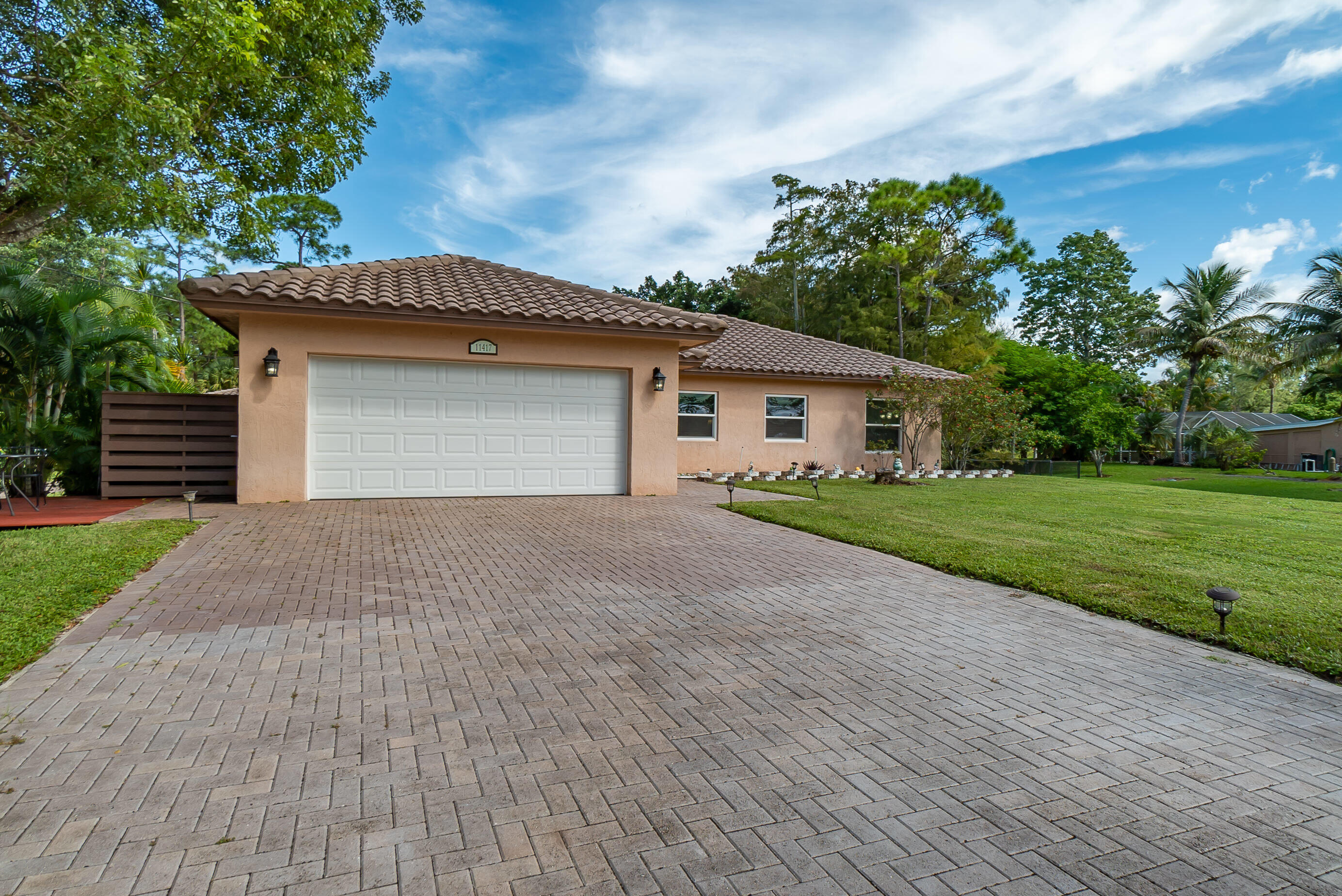 11417  61st Street  For Sale 10750337, FL