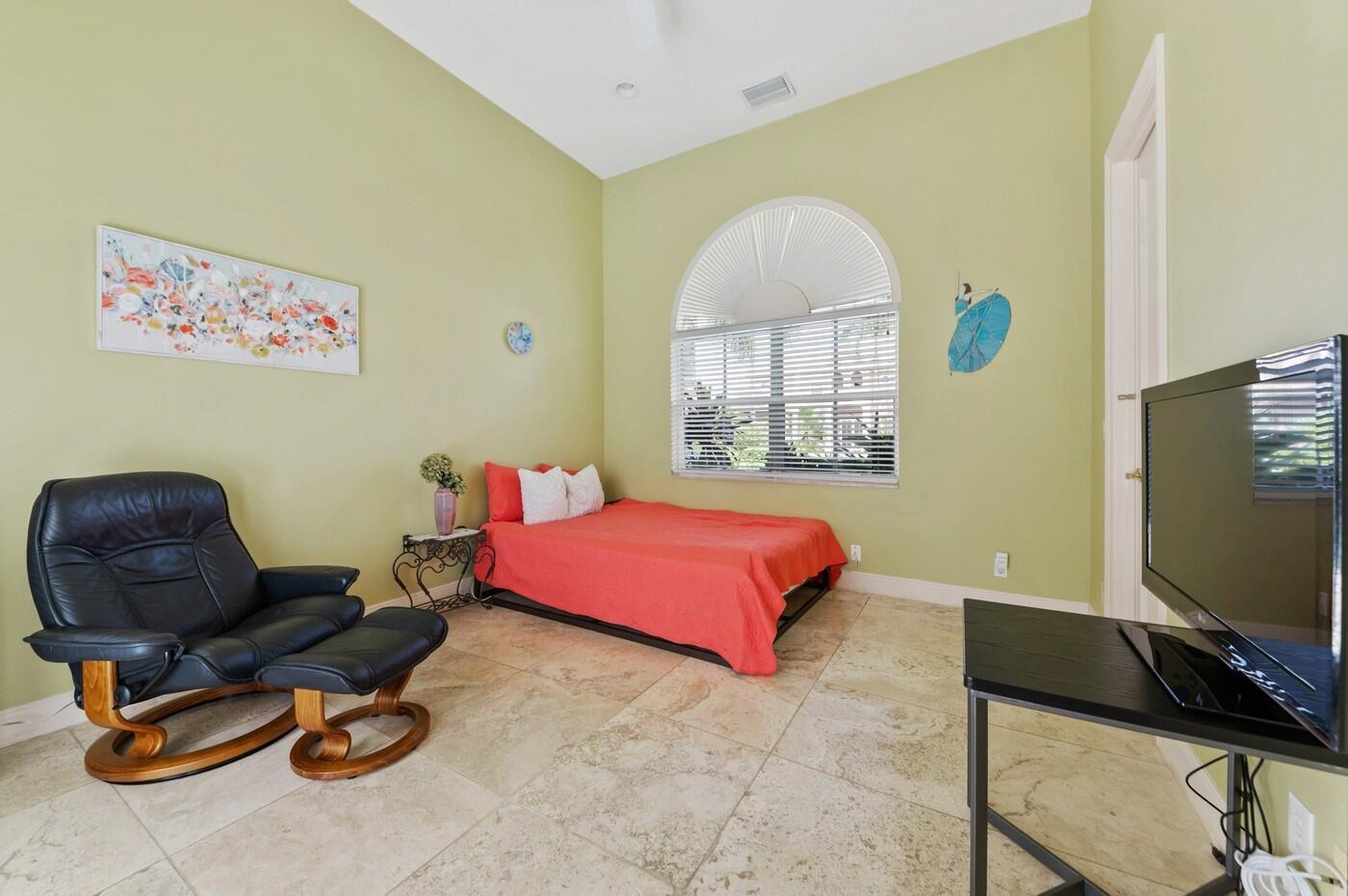 Cabana/Home Office