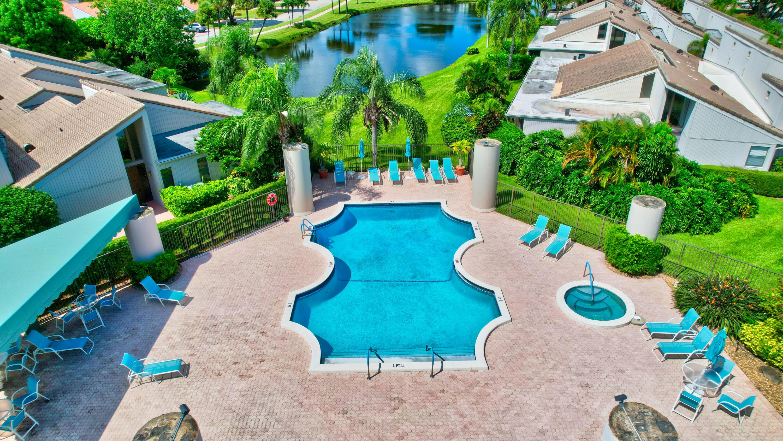 Hot Spa & community pool