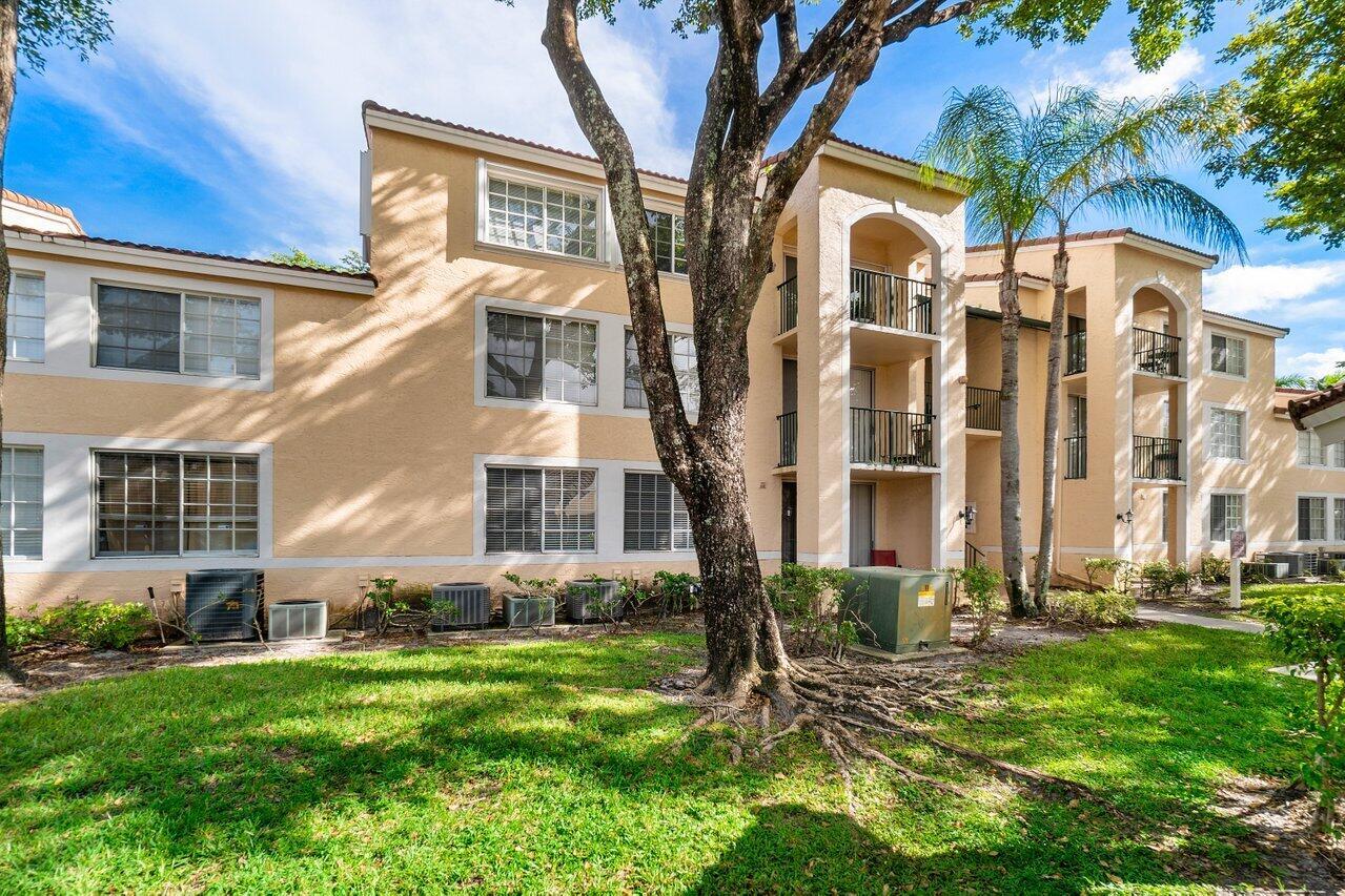 1715  Village 103 Boulevard 103 For Sale 10750477, FL