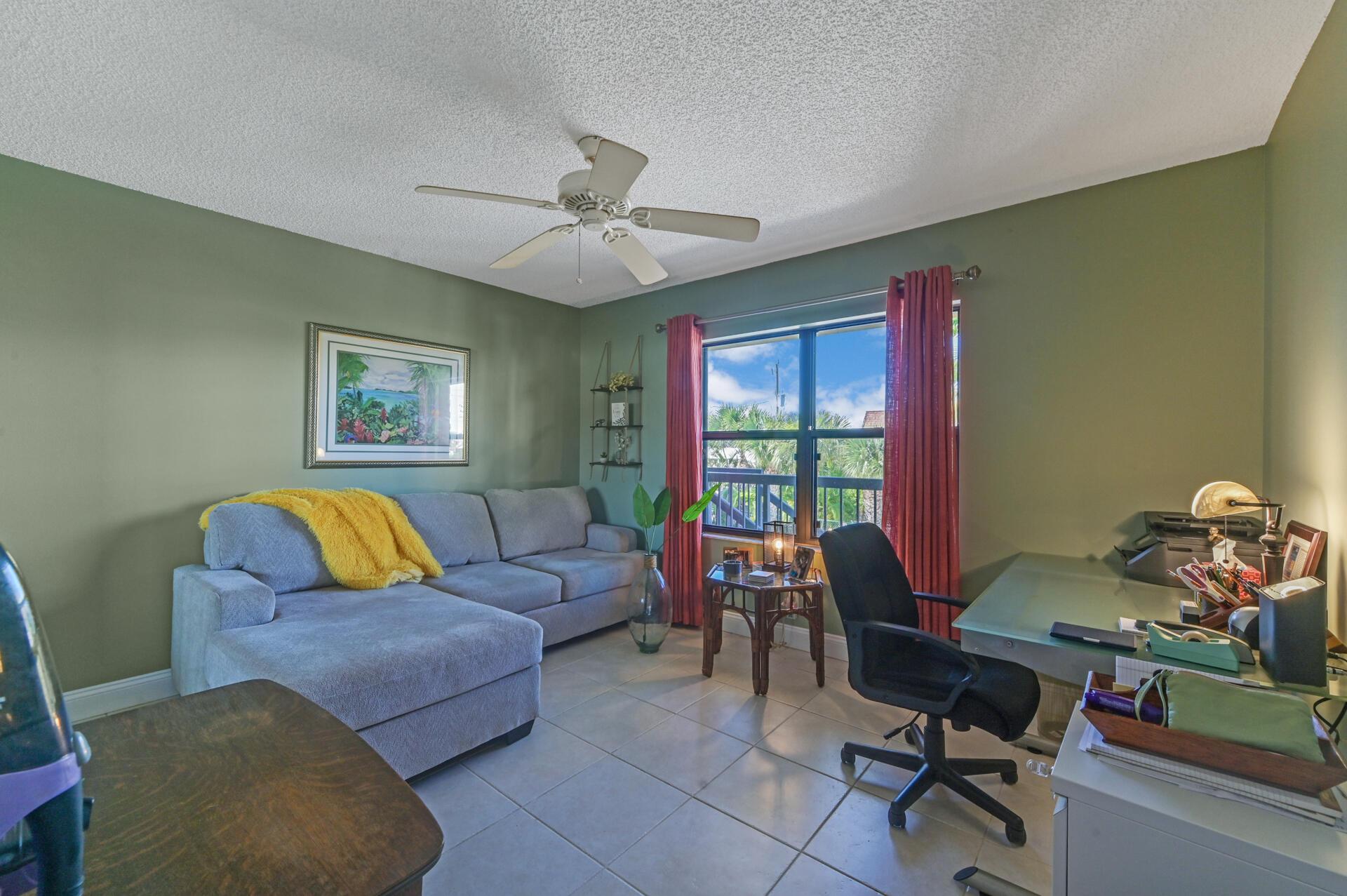302 Lake Shore Drive 9 Lake Park, FL 33403 photo 4