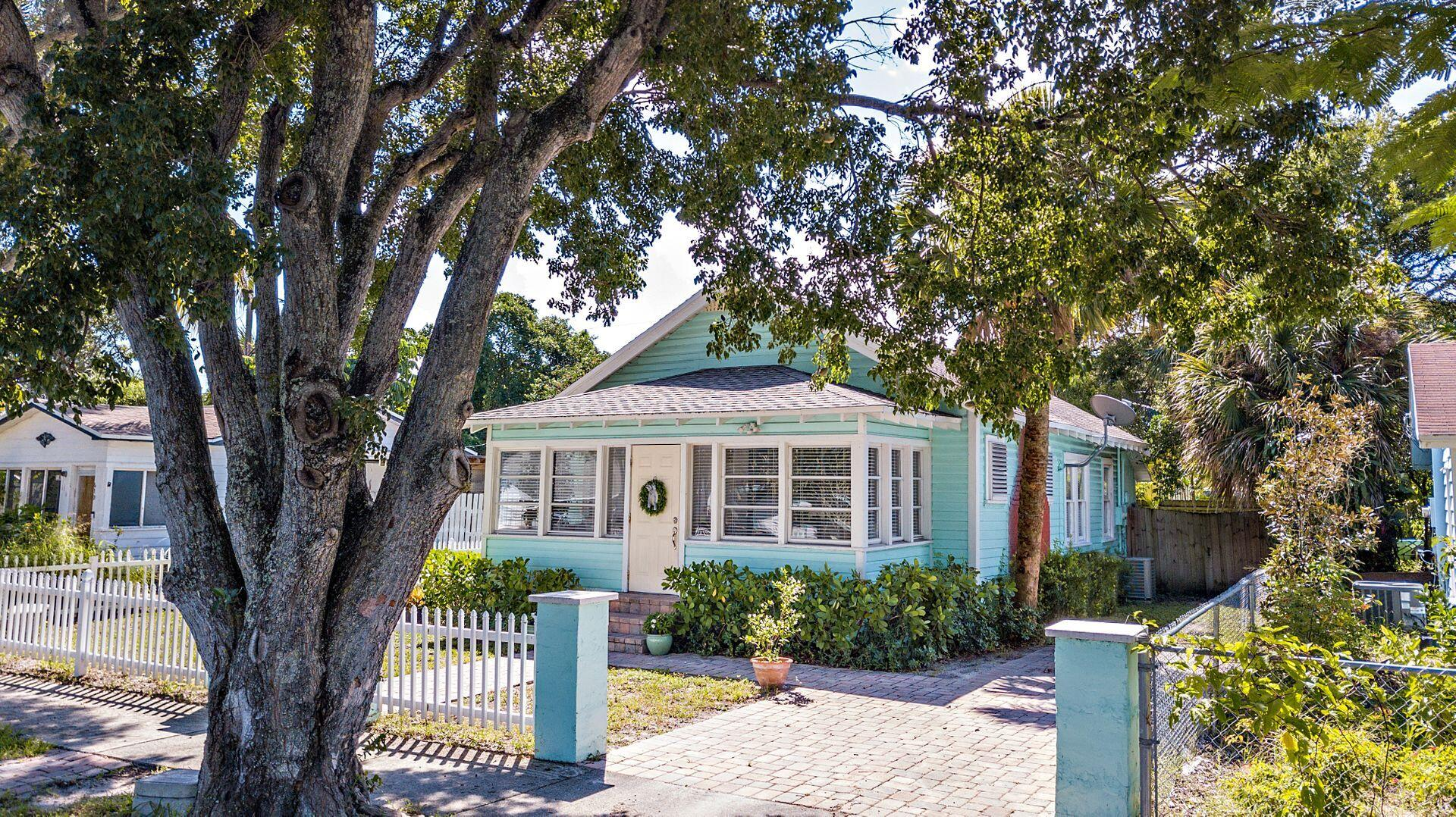 Home for sale in NORTH PALM BCH 1 West Palm Beach Florida