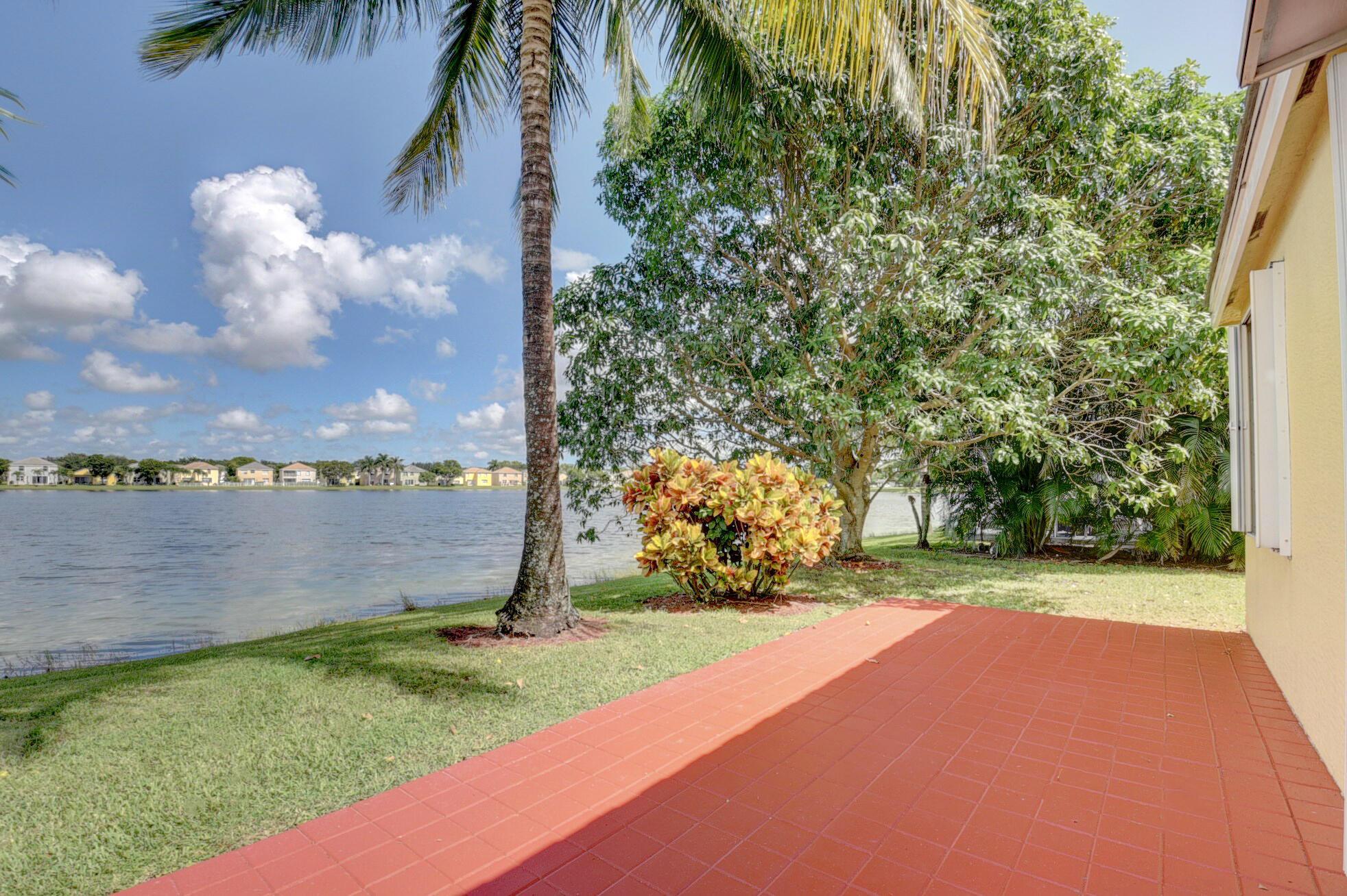 260 Berenger Walk Royal Palm Beach, FL 33414 photo 45