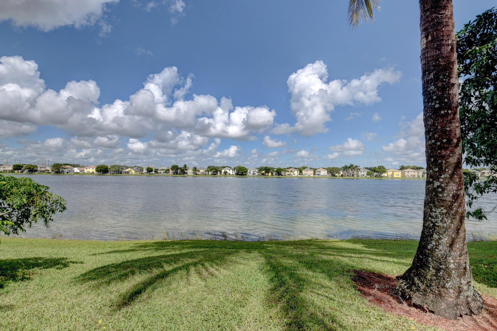260 Berenger Walk Royal Palm Beach, FL 33414 photo 46