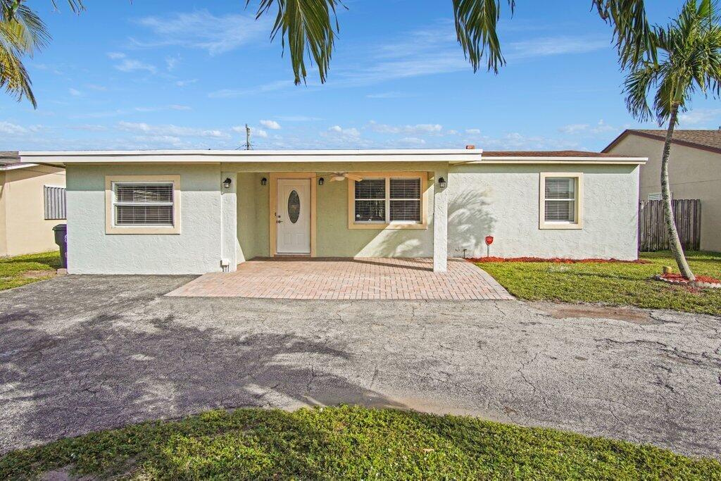 406 Elizabeth Road Lake Worth, FL 33461