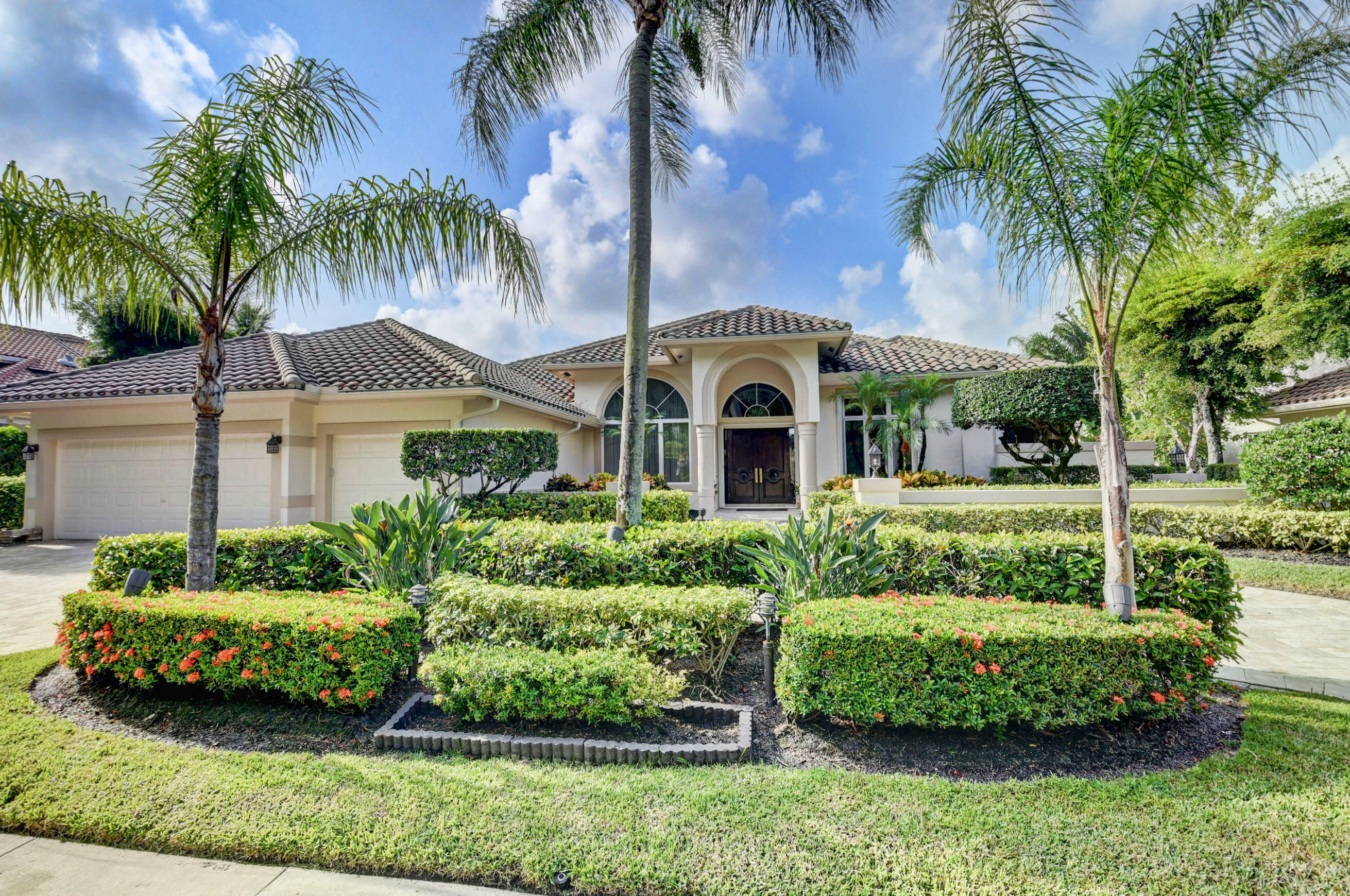 2572 NW 64th Boulevard  For Sale 10750692, FL