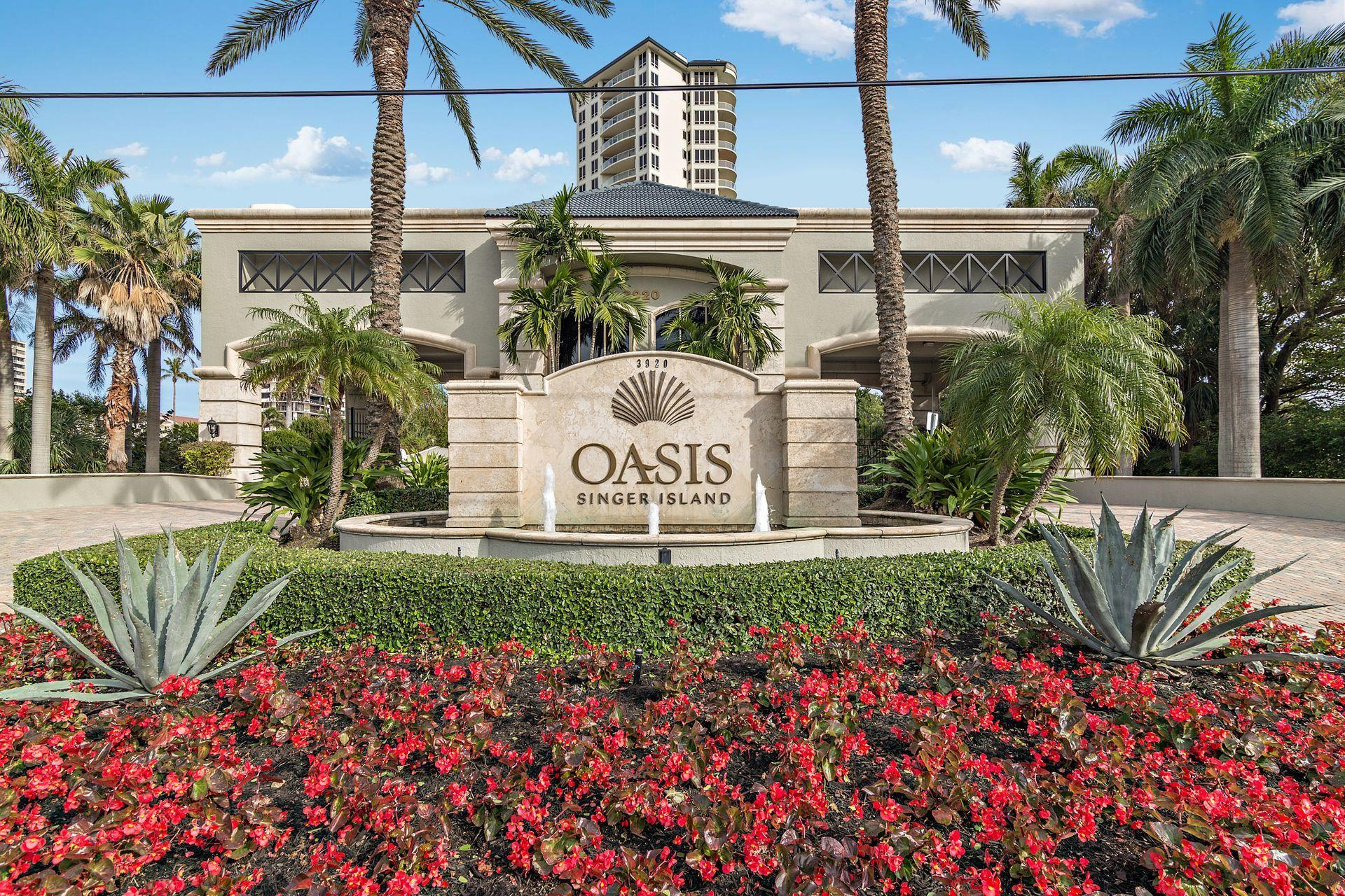 Oasis front entry new small 2
