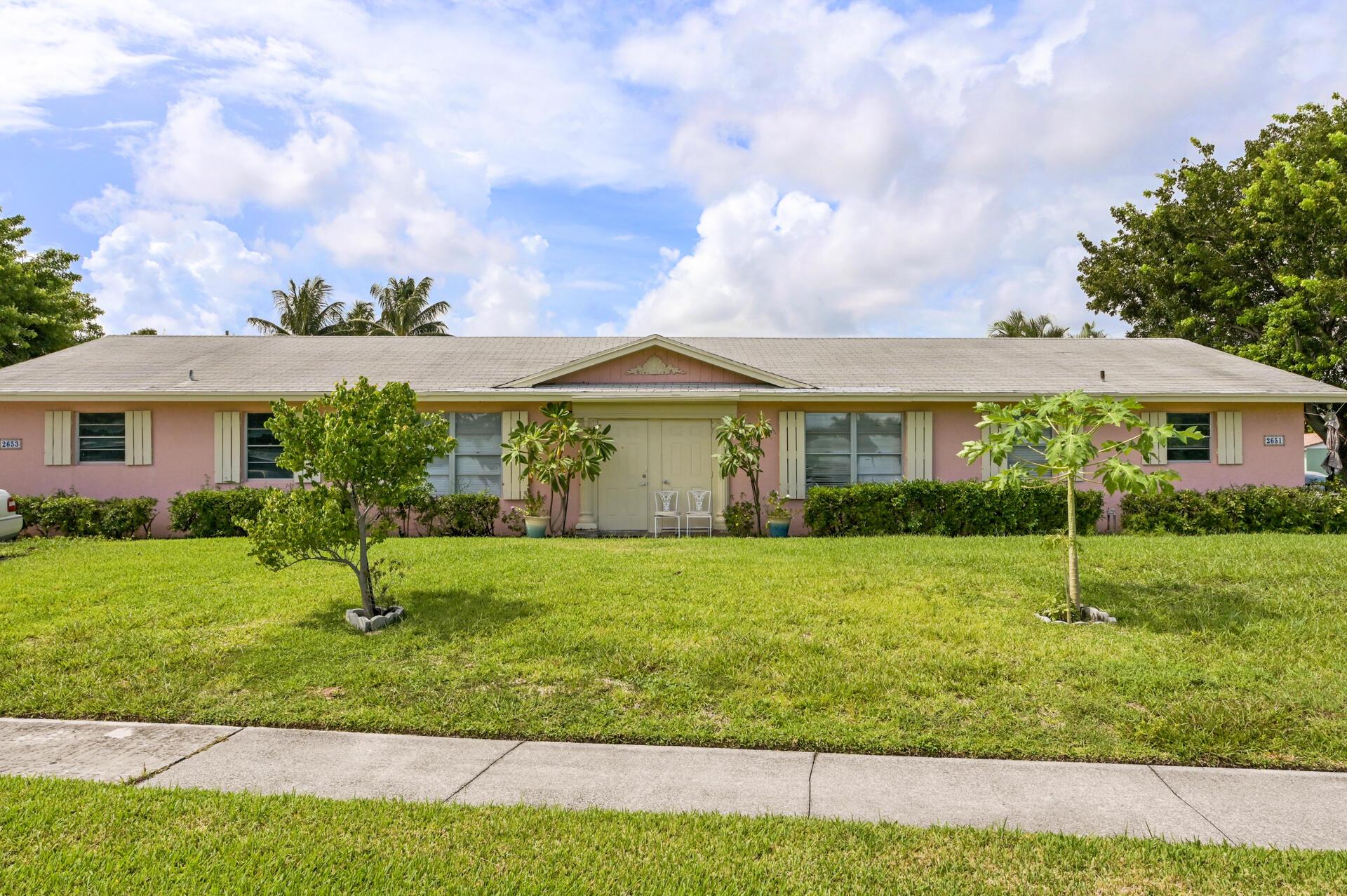2651 SE 2nd Street Boynton Beach, FL 33435