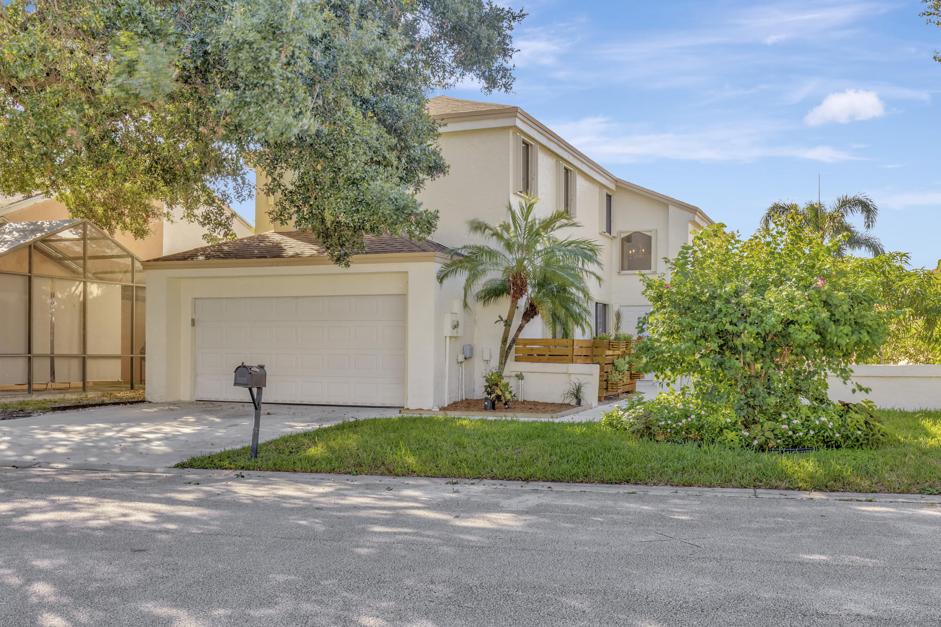 Home for sale in LAKEVIEW HOMES AT CENTURA PARC Coconut Creek Florida