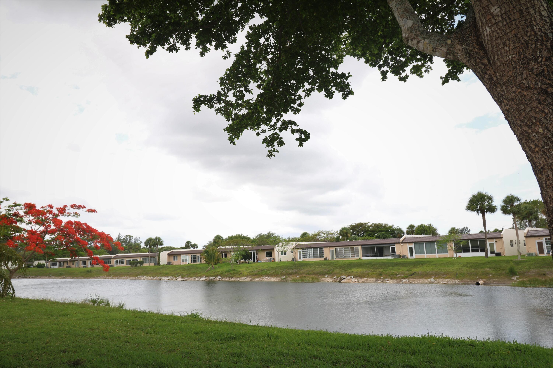 154  Lake Meryl Drive 160 For Sale 10750807, FL