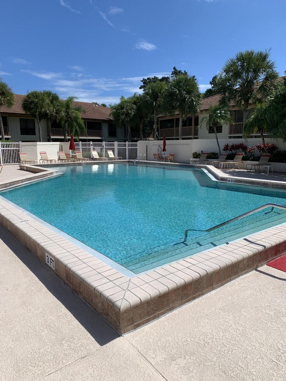 Golf villas pool