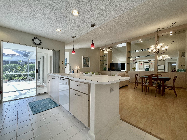 6503 Geminata Oak Court Palm Beach Gardens, FL 33410 photo 11