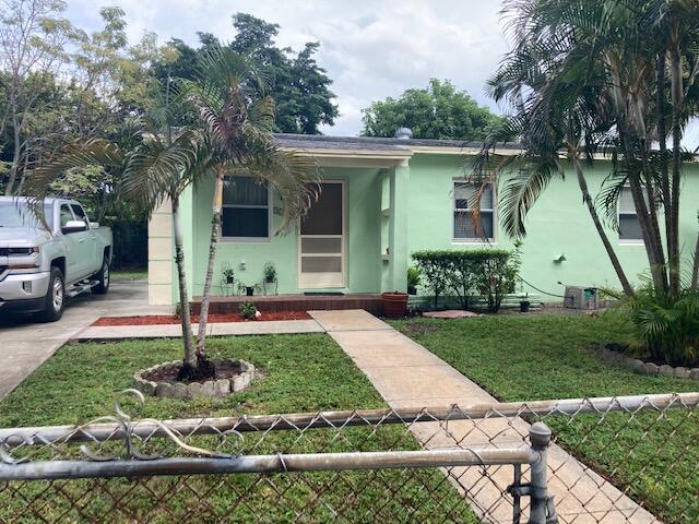 3100  Glenwood Road  For Sale 10751037, FL