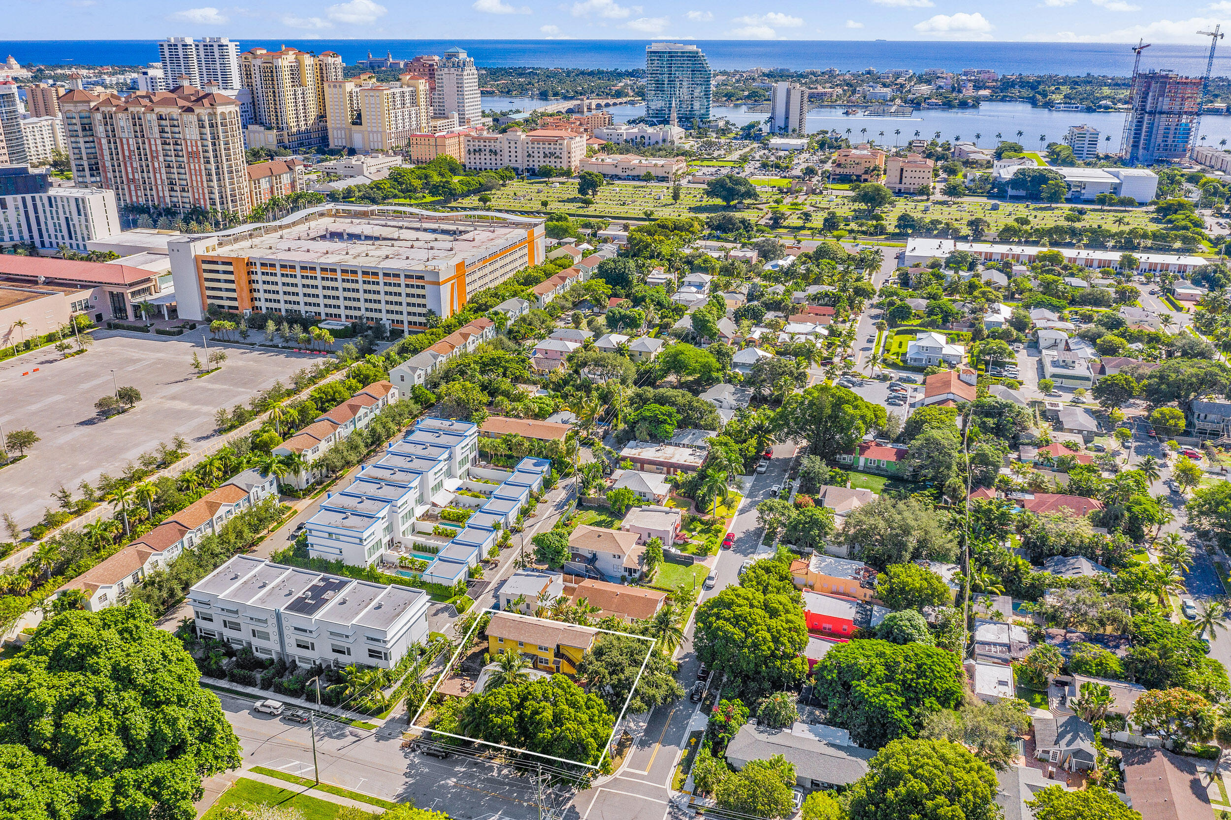 1214 Lake Avenue West Palm Beach, FL 33401 photo 2
