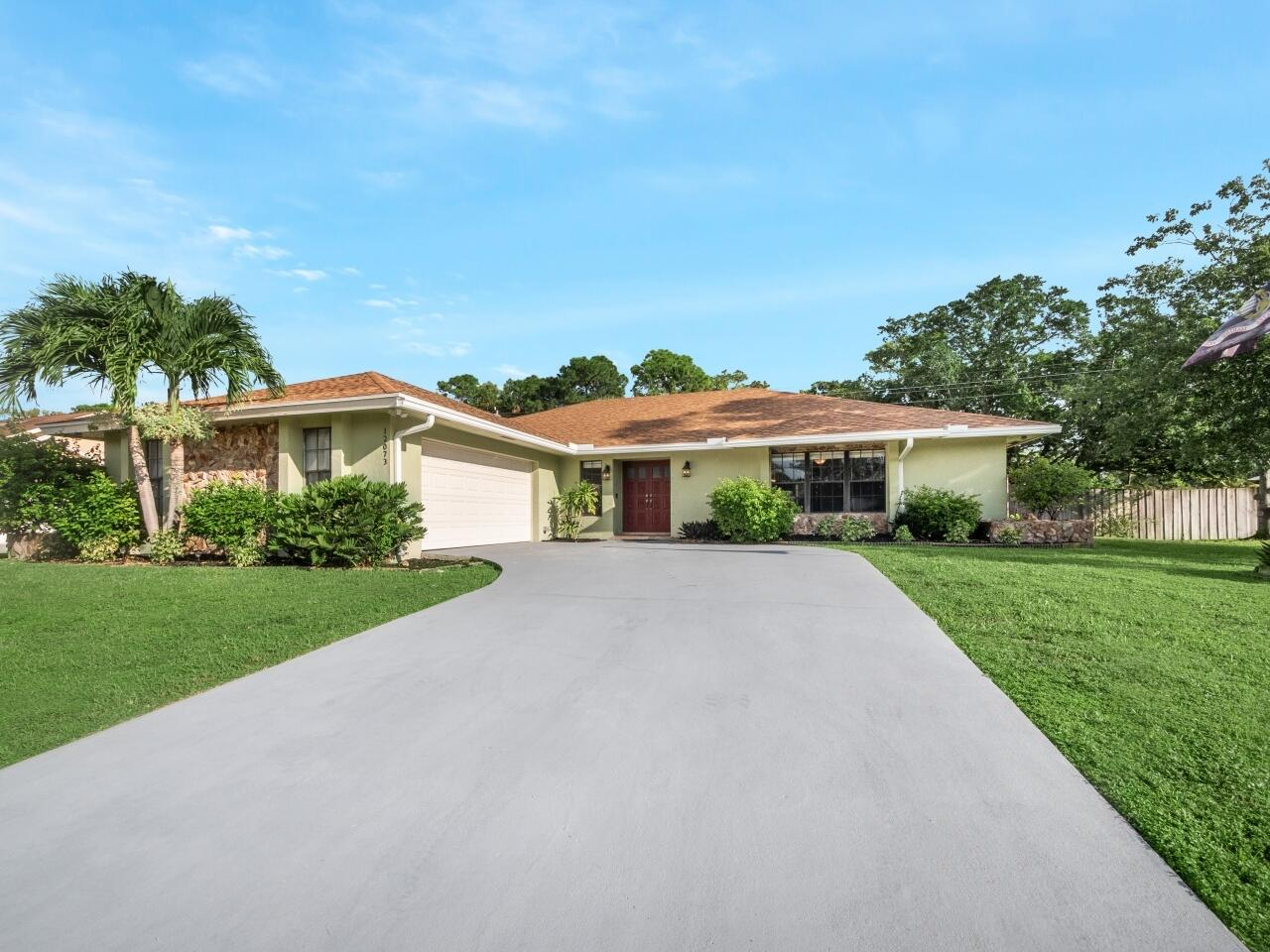 12073 Old Country Road Wellington, FL 33414 photo 2