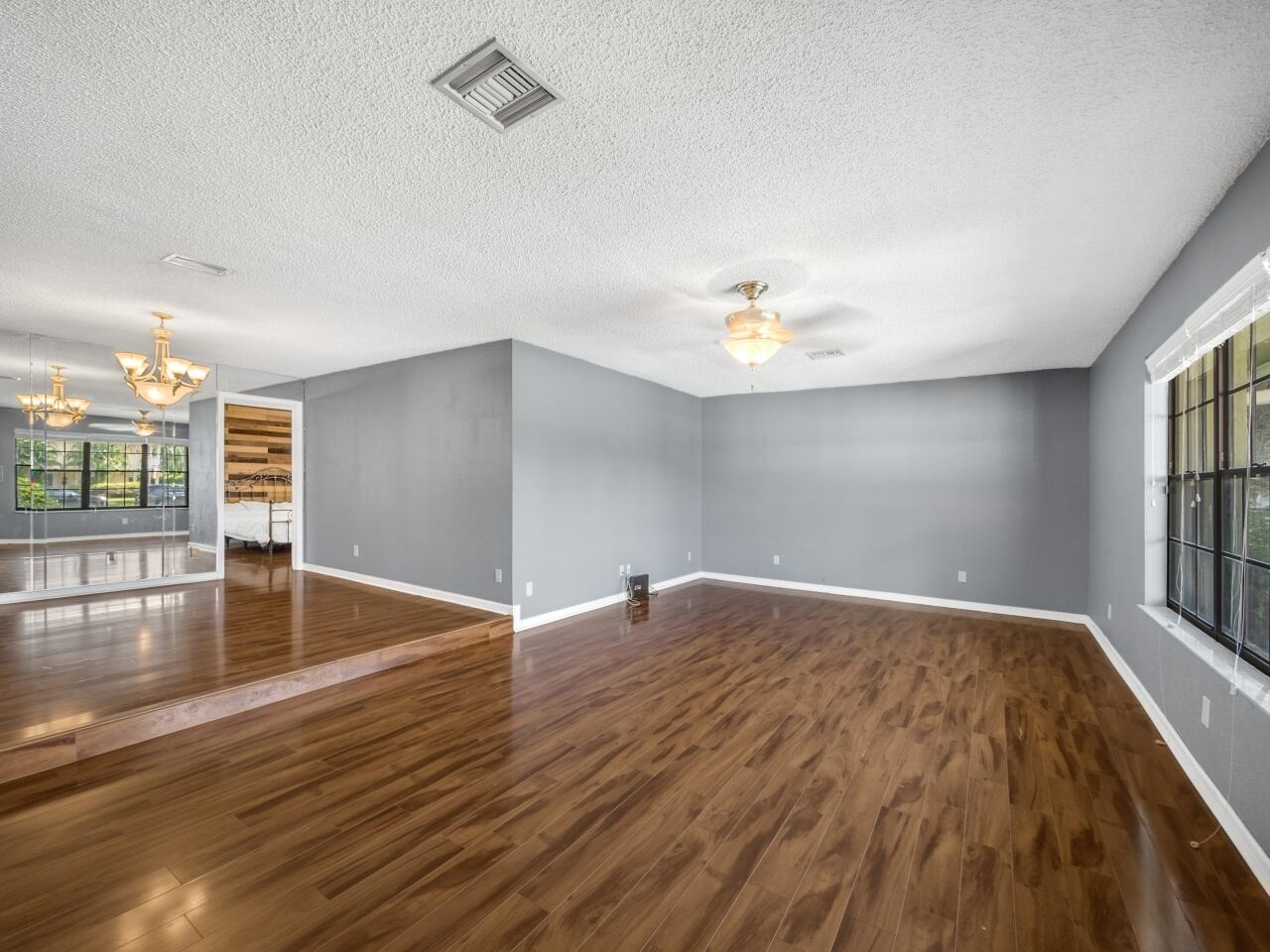 12073 Old Country Road Wellington, FL 33414 photo 4
