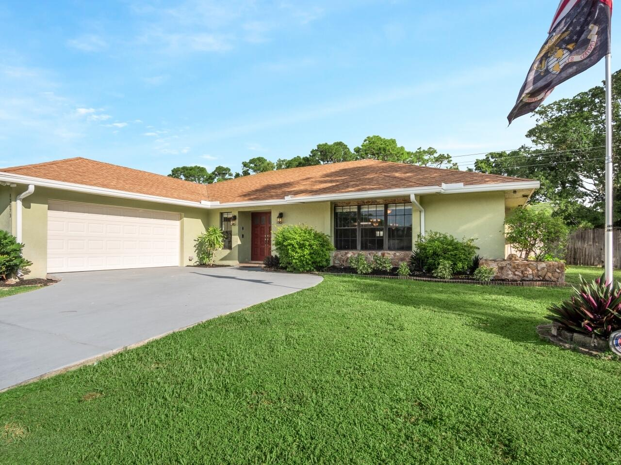 12073 Old Country Road Wellington, FL 33414 photo 1