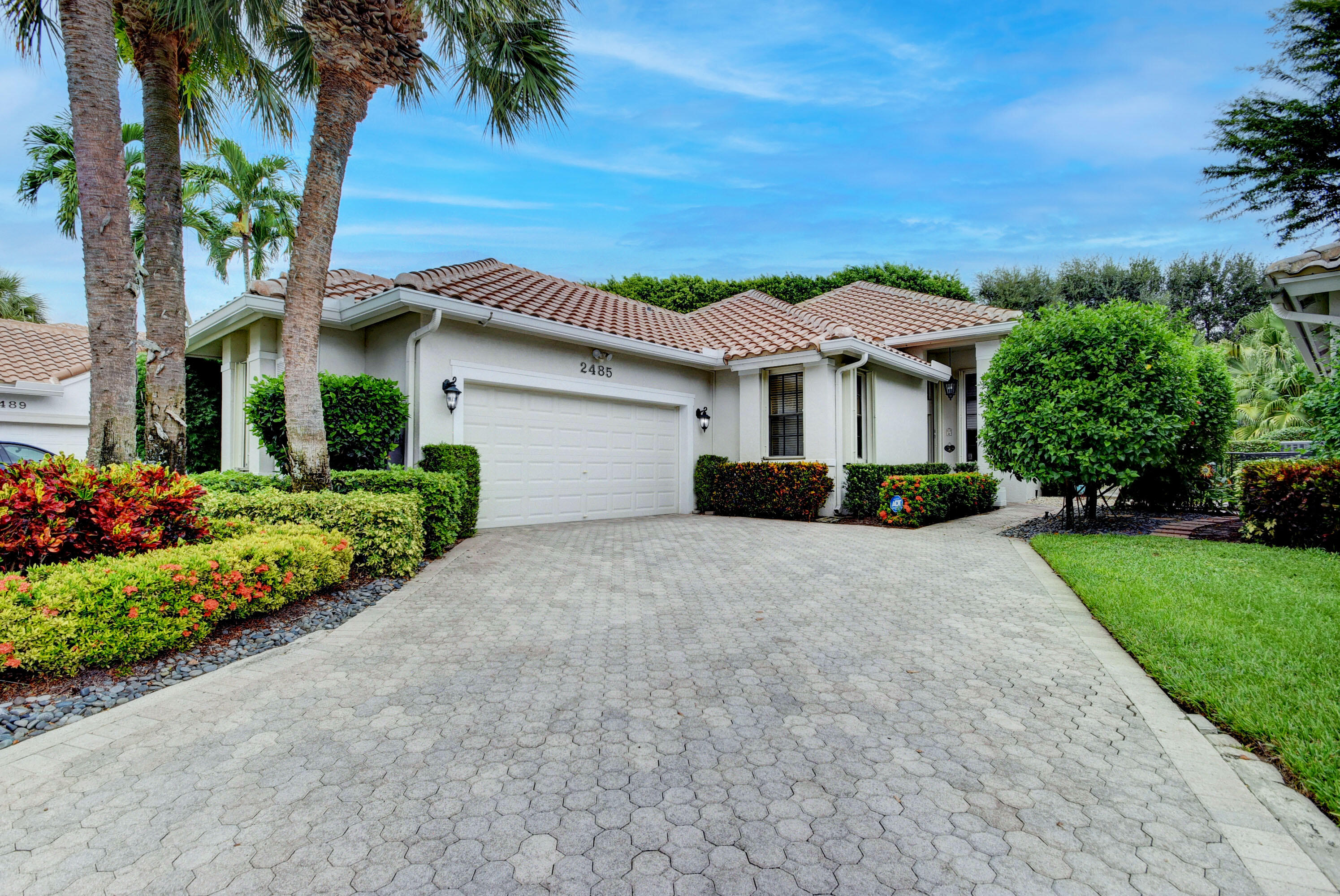 2485 NW 64th Street  For Sale 10751216, FL