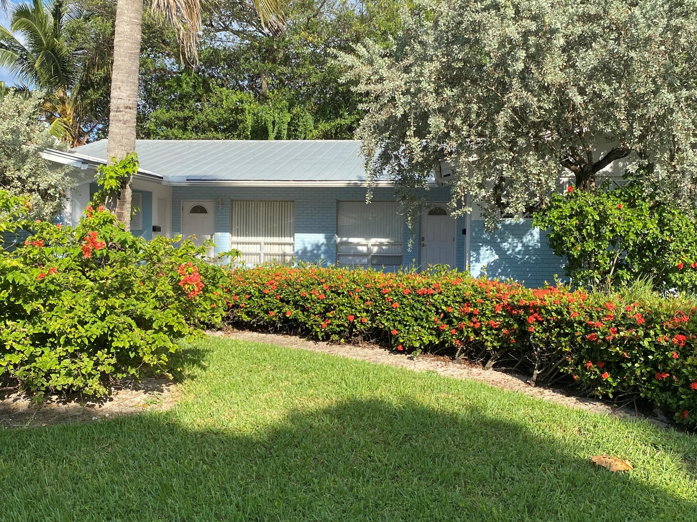320 NE Wavecrest Way, Boca Raton, FL 33432