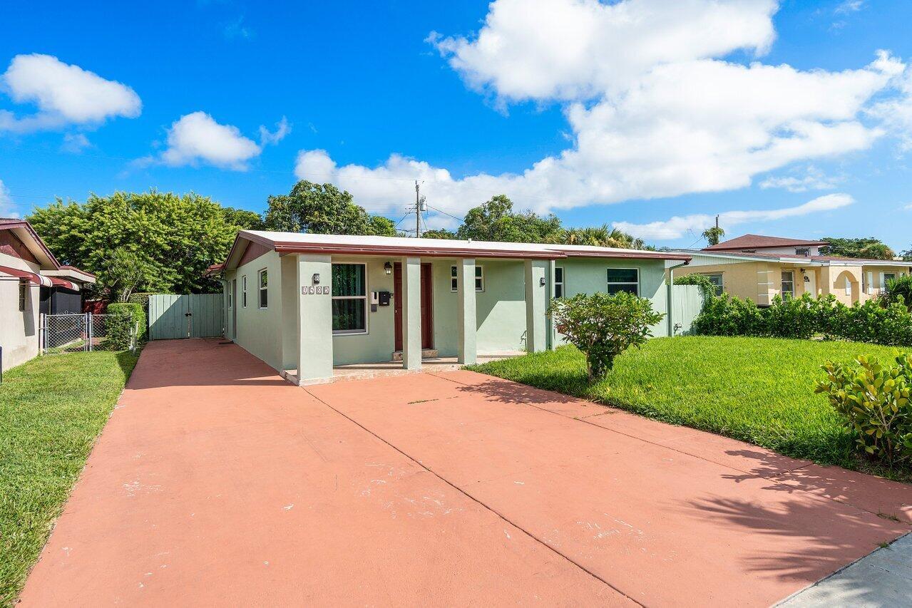 1405  8th Street  For Sale 10750288, FL