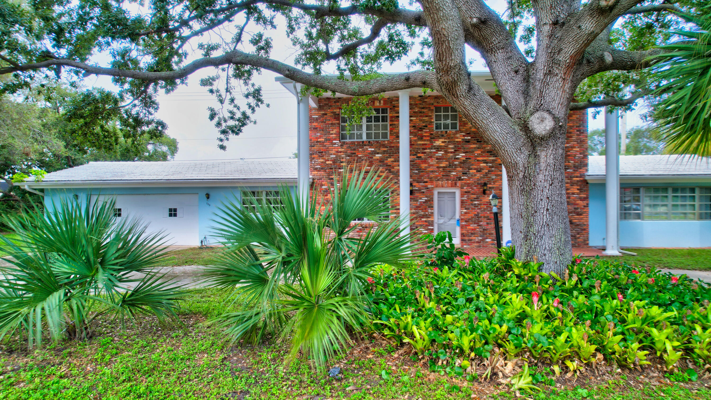 703 SW 25th Place Boynton Beach, FL 33435