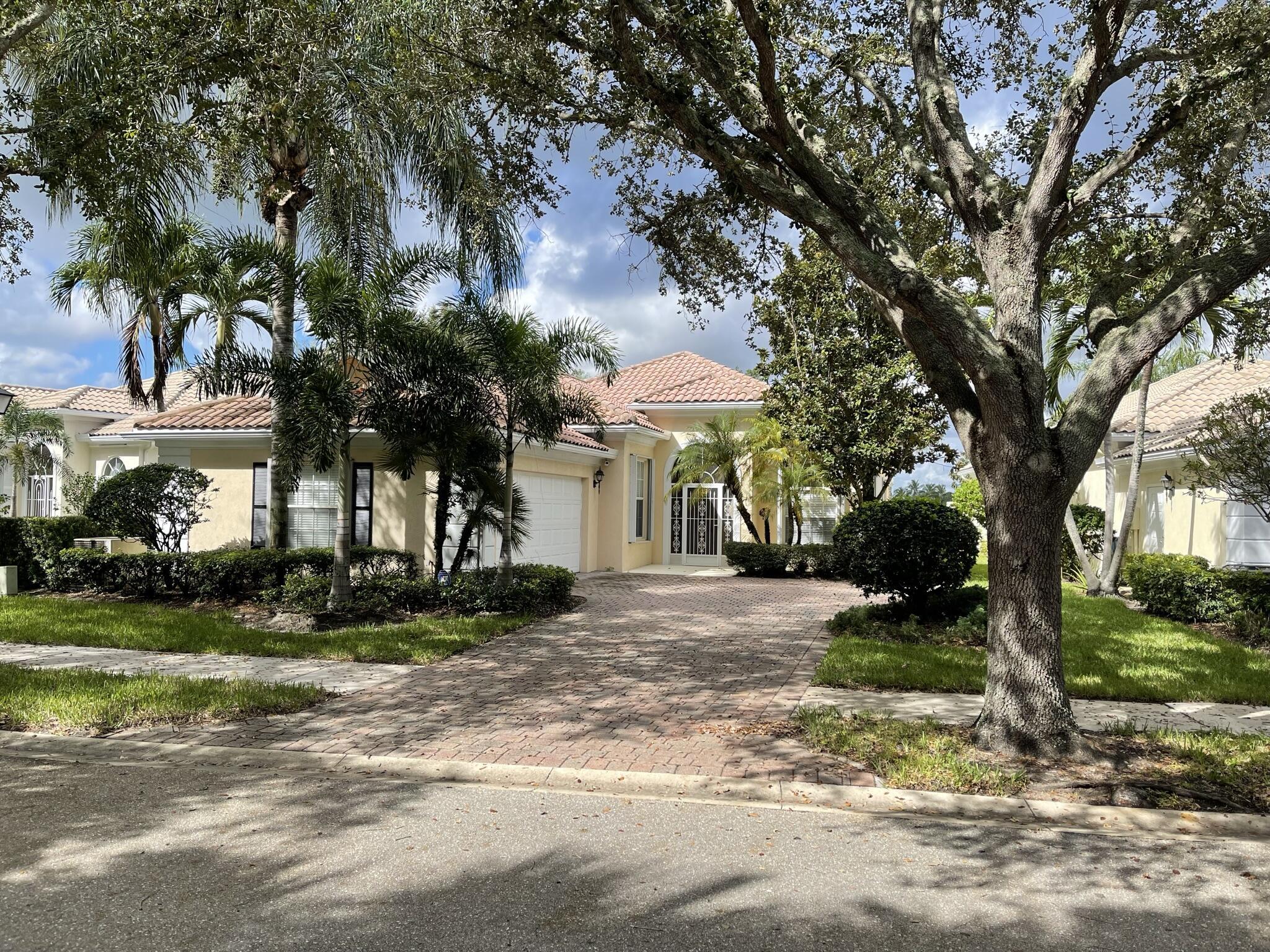 845 Niemen Drive Palm Beach Gardens, FL 33410