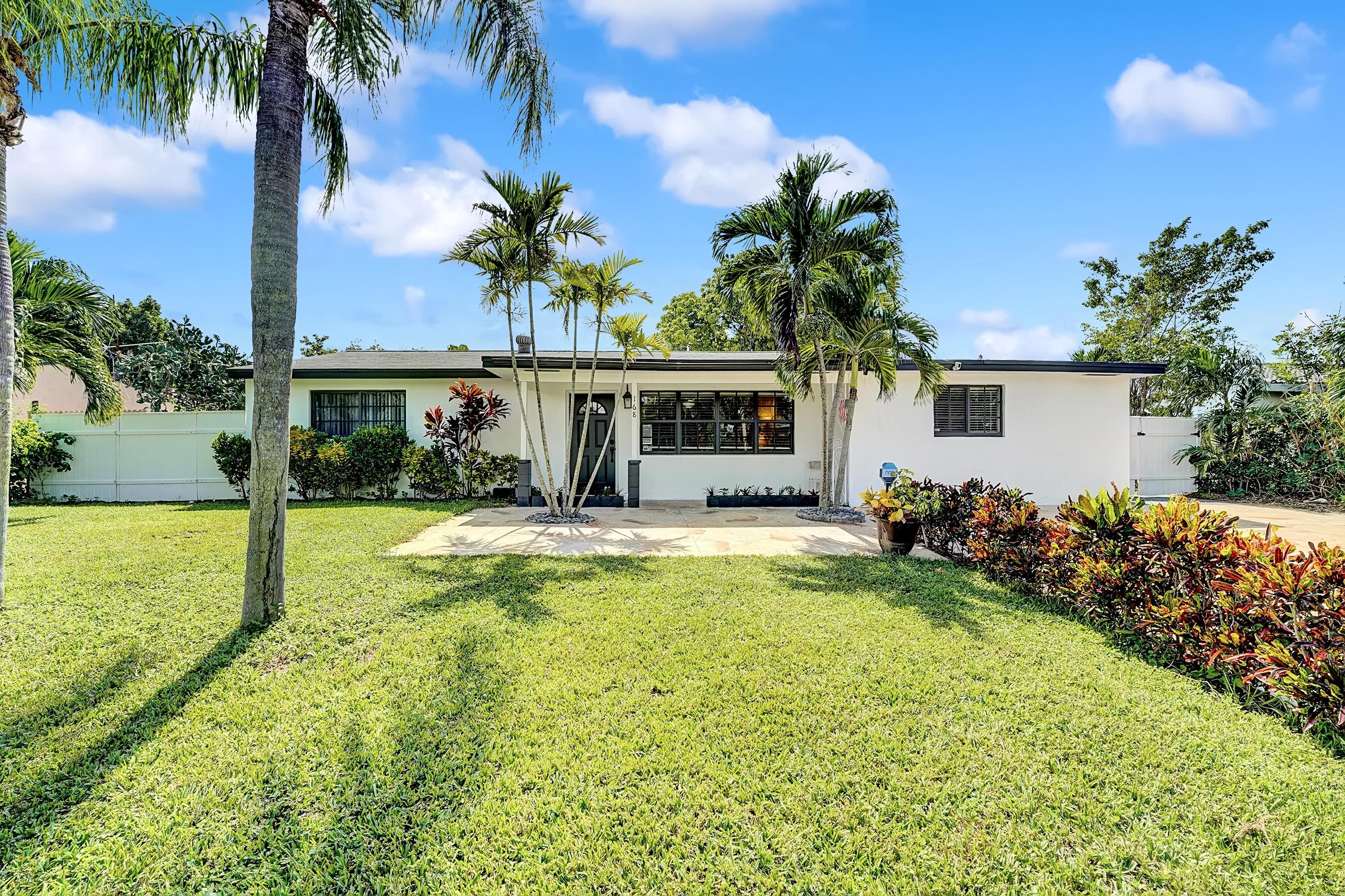 168 SE 31st Avenue Boynton Beach, FL 33435