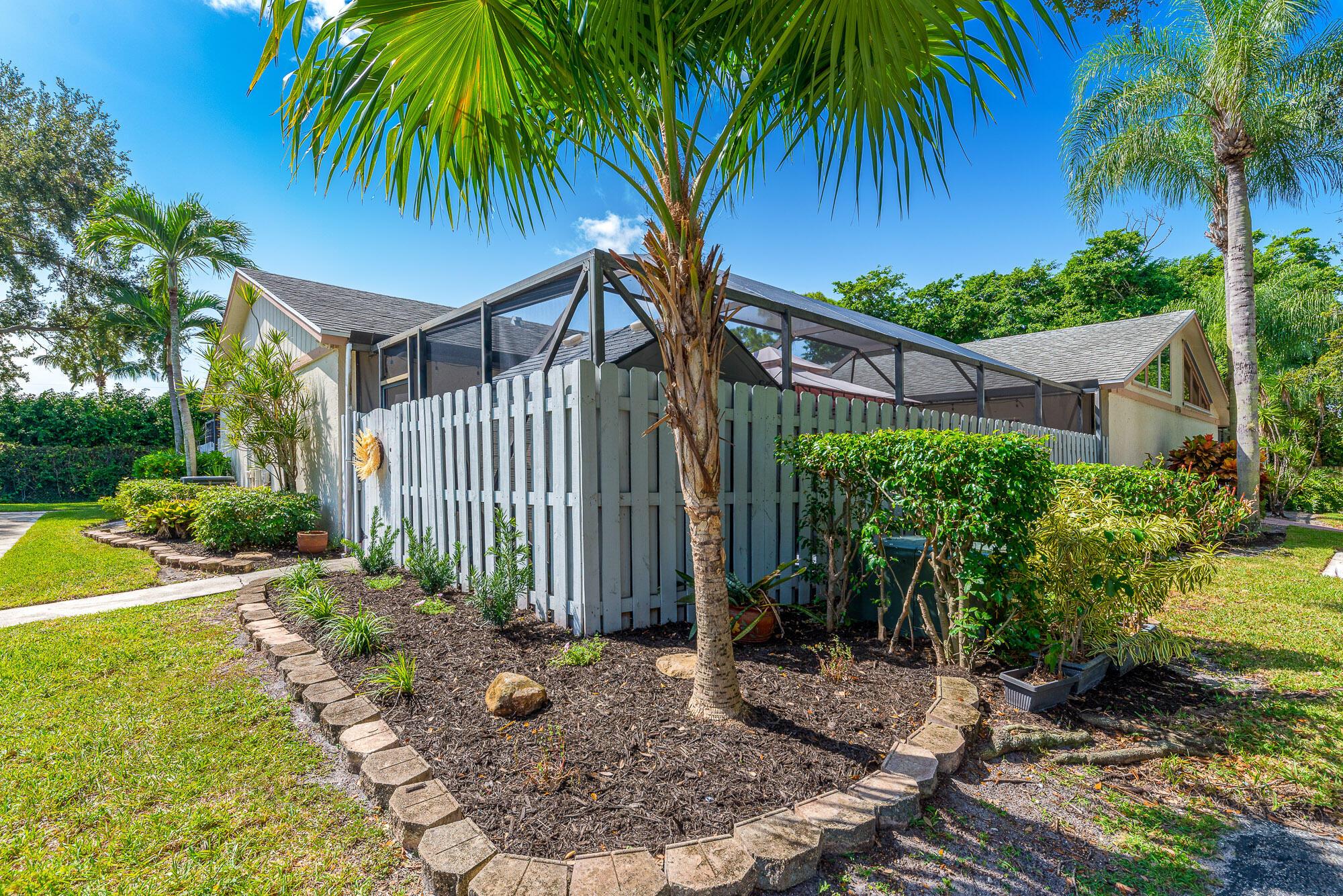 8936 Thumbwood A Circle A Boynton Beach, FL 33436