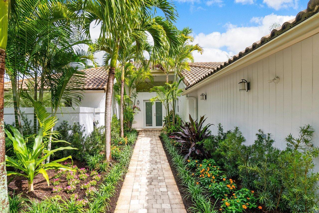 20  Oaks Lane  For Sale 10752368, FL