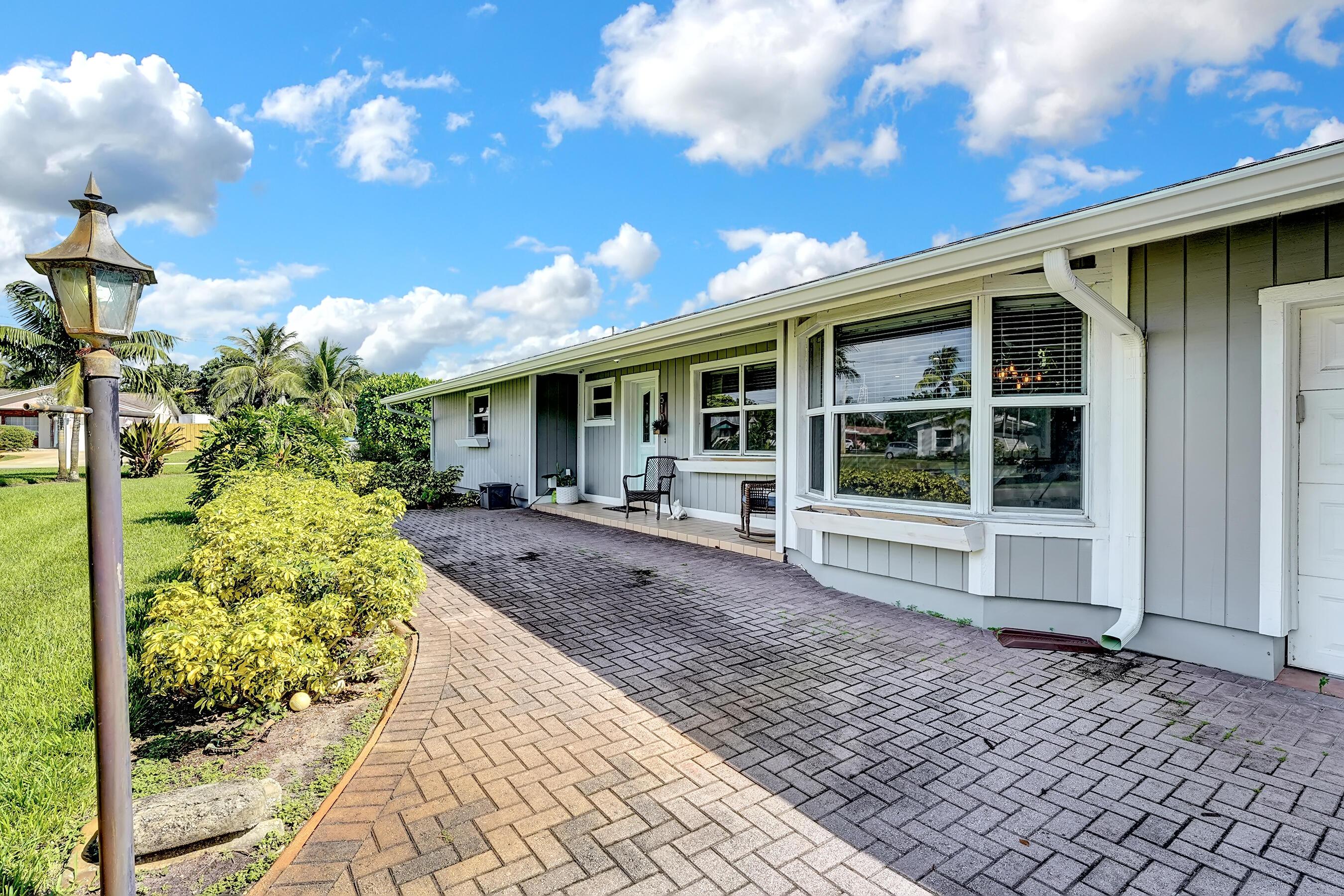 510  Sunset Road  For Sale 10751907, FL