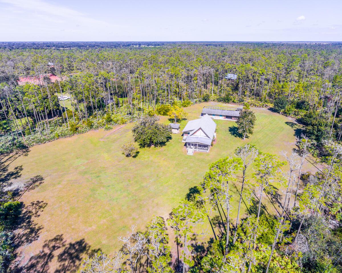 Home for sale in Indian hammock Hunt & Ride Club Okeechobee Florida
