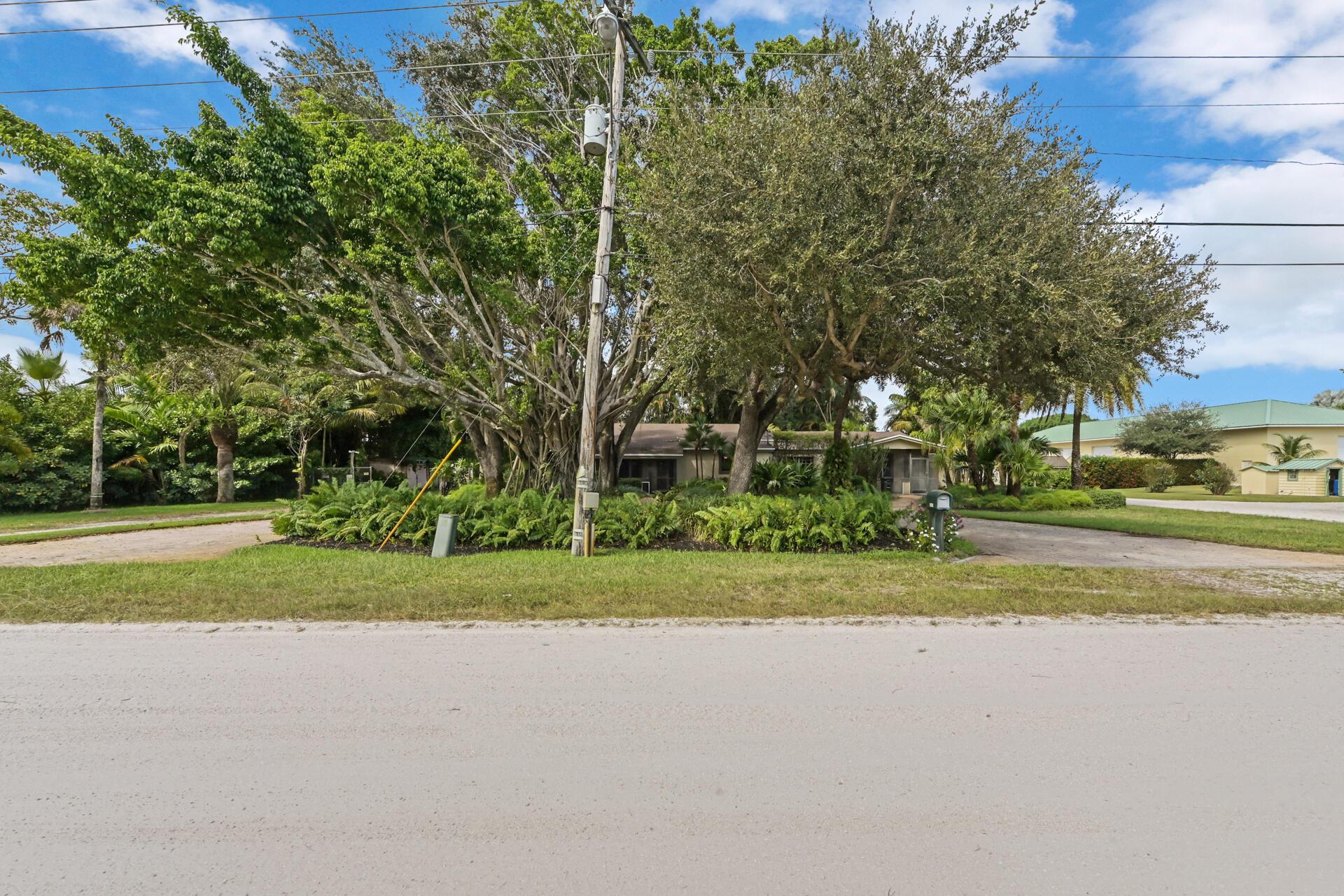 4919 Ridgewood Road Boynton Beach, FL 33436
