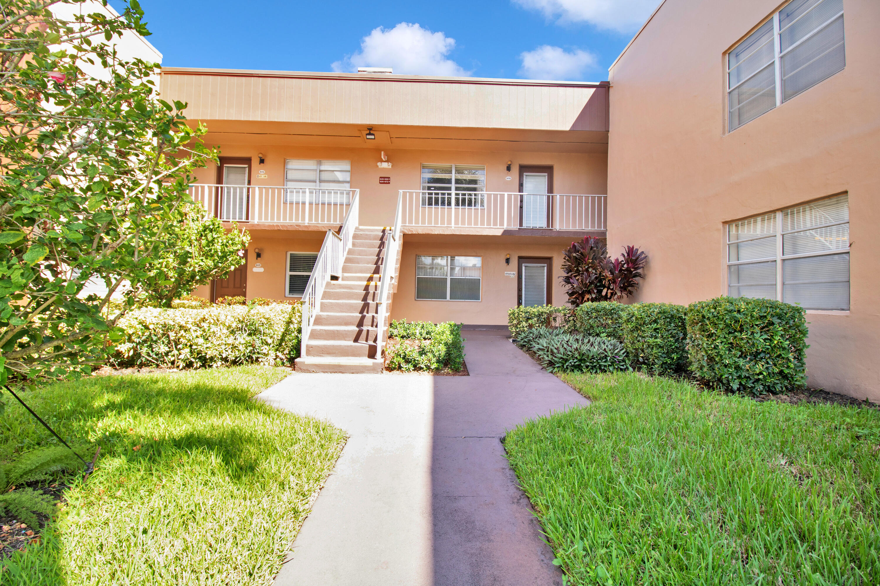 Home for sale in KINGS POINT BURGUNDY CONDOS Delray Beach Florida