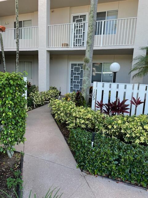 6112  Huntwick Terrace 105 For Sale 10751984, FL