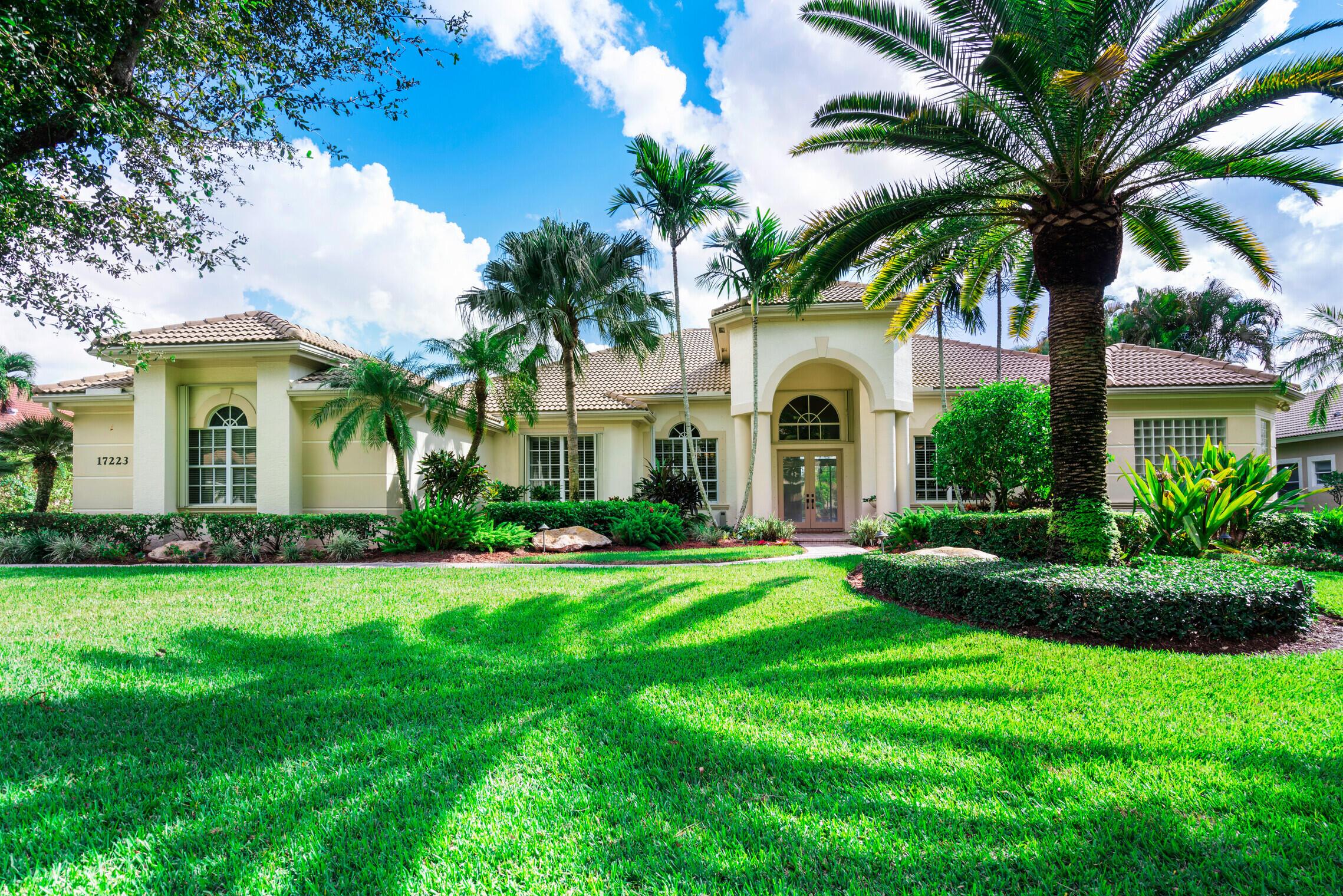 17223 Gulf Pine Circle  Wellington, FL 33414