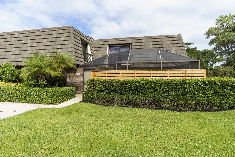 1101  11th Terrace Terrace 1101 For Sale 10752214, FL