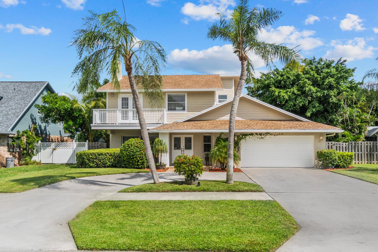 4135  Birchwood Drive  For Sale 10752233, FL