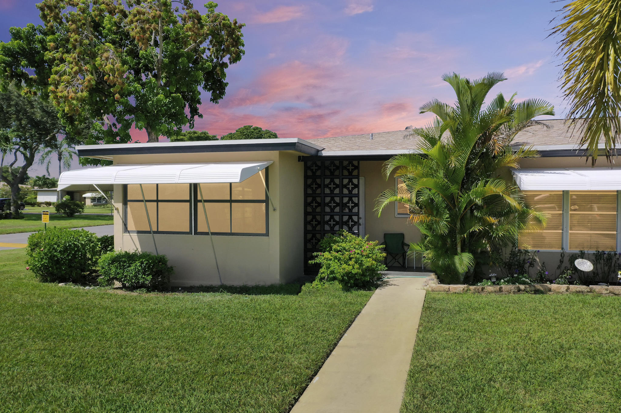 1017  South Drive A For Sale 10752298, FL