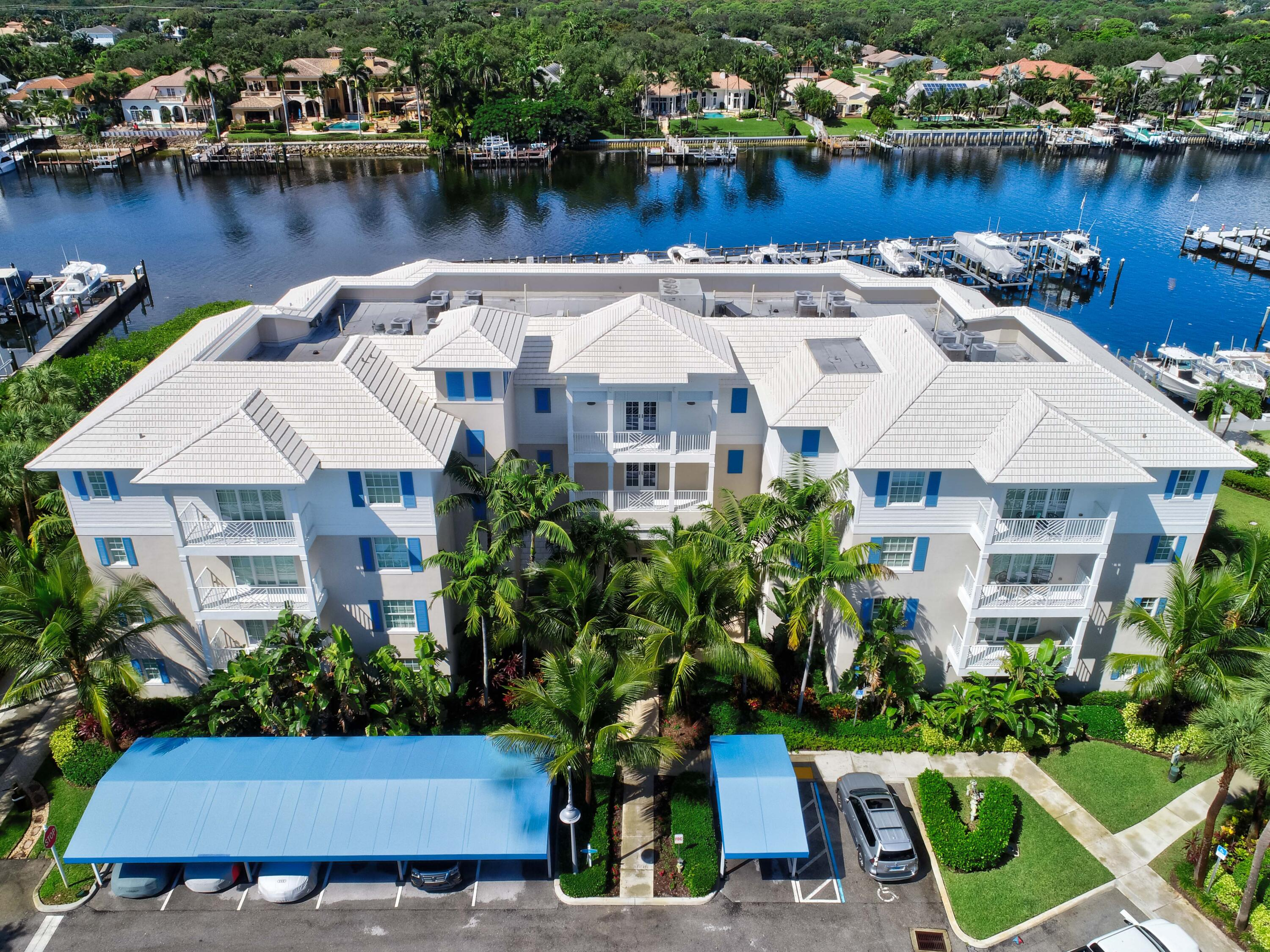 612  Bay Colony Drive  For Sale 10753104, FL