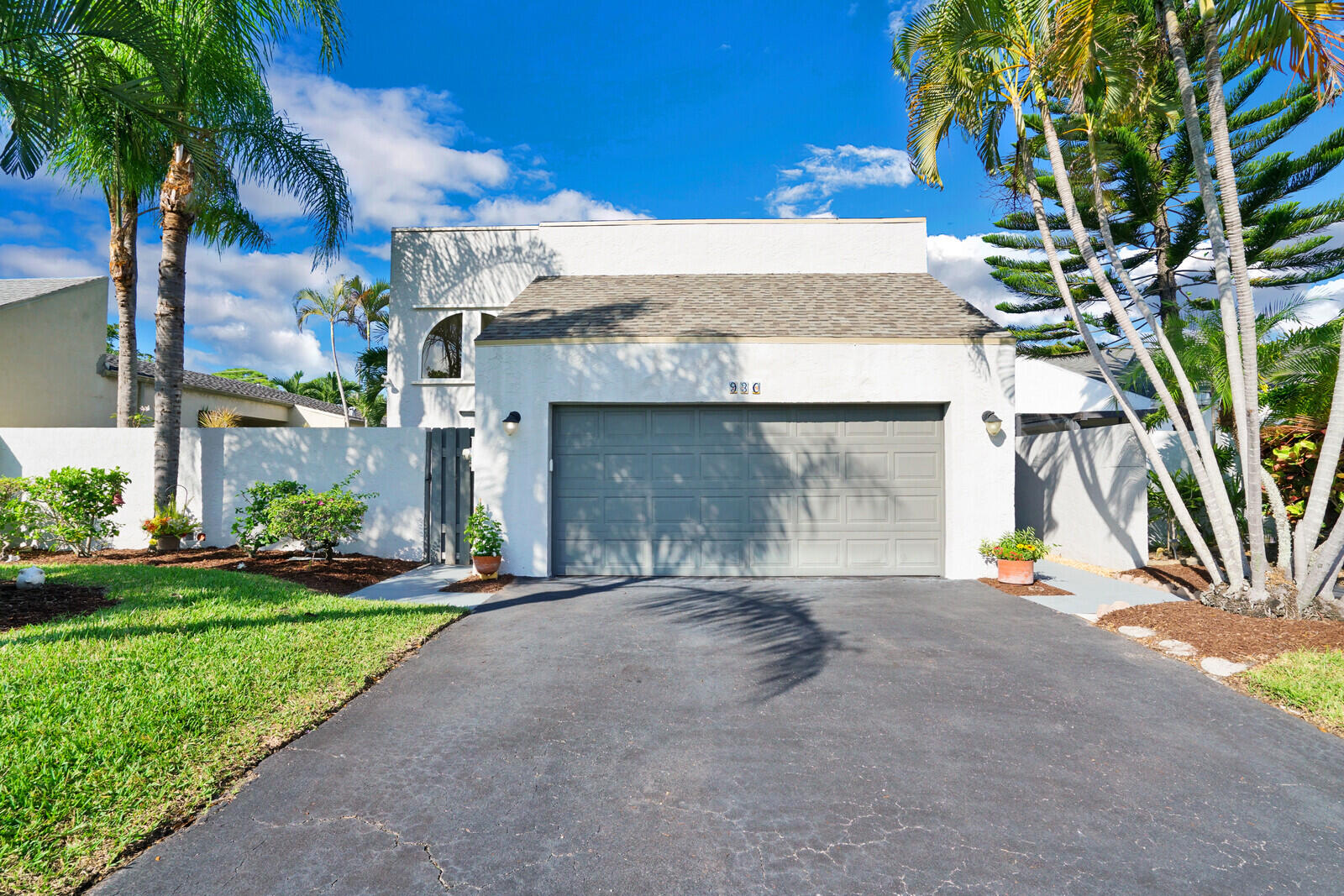 930 NW 22nd Avenue  For Sale 10752374, FL
