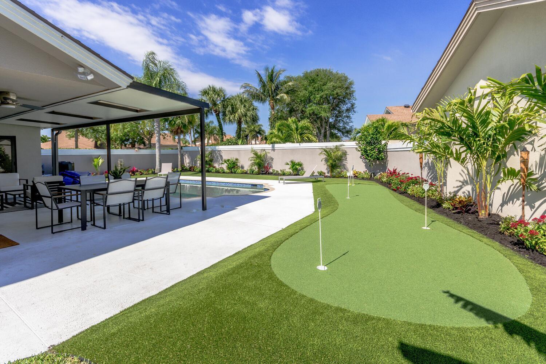 Pool, Putting Green & Patio
