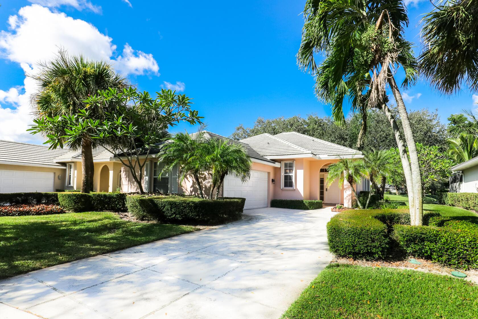 1018  Bedford Avenue  For Sale 10752455, FL