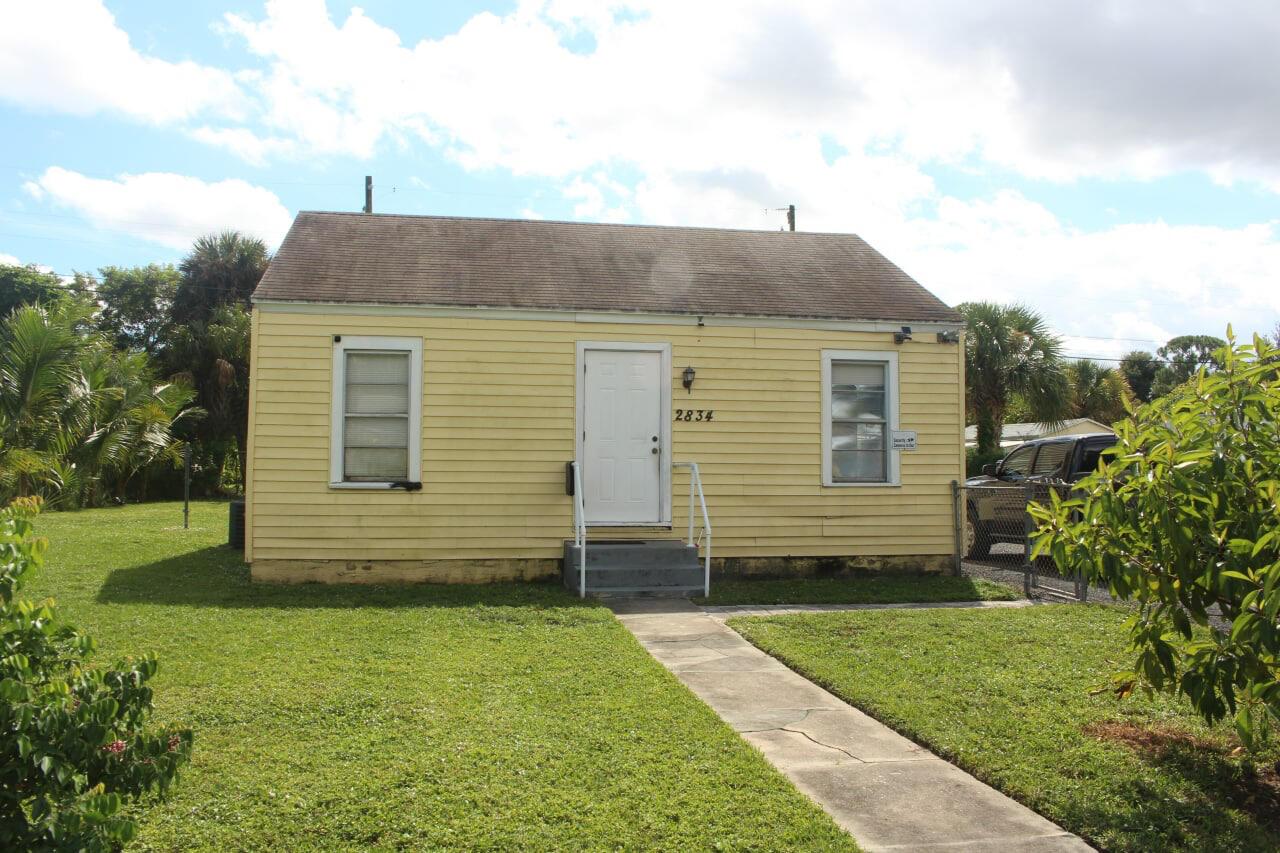 2834  Nokomis Avenue  For Sale 10752502, FL