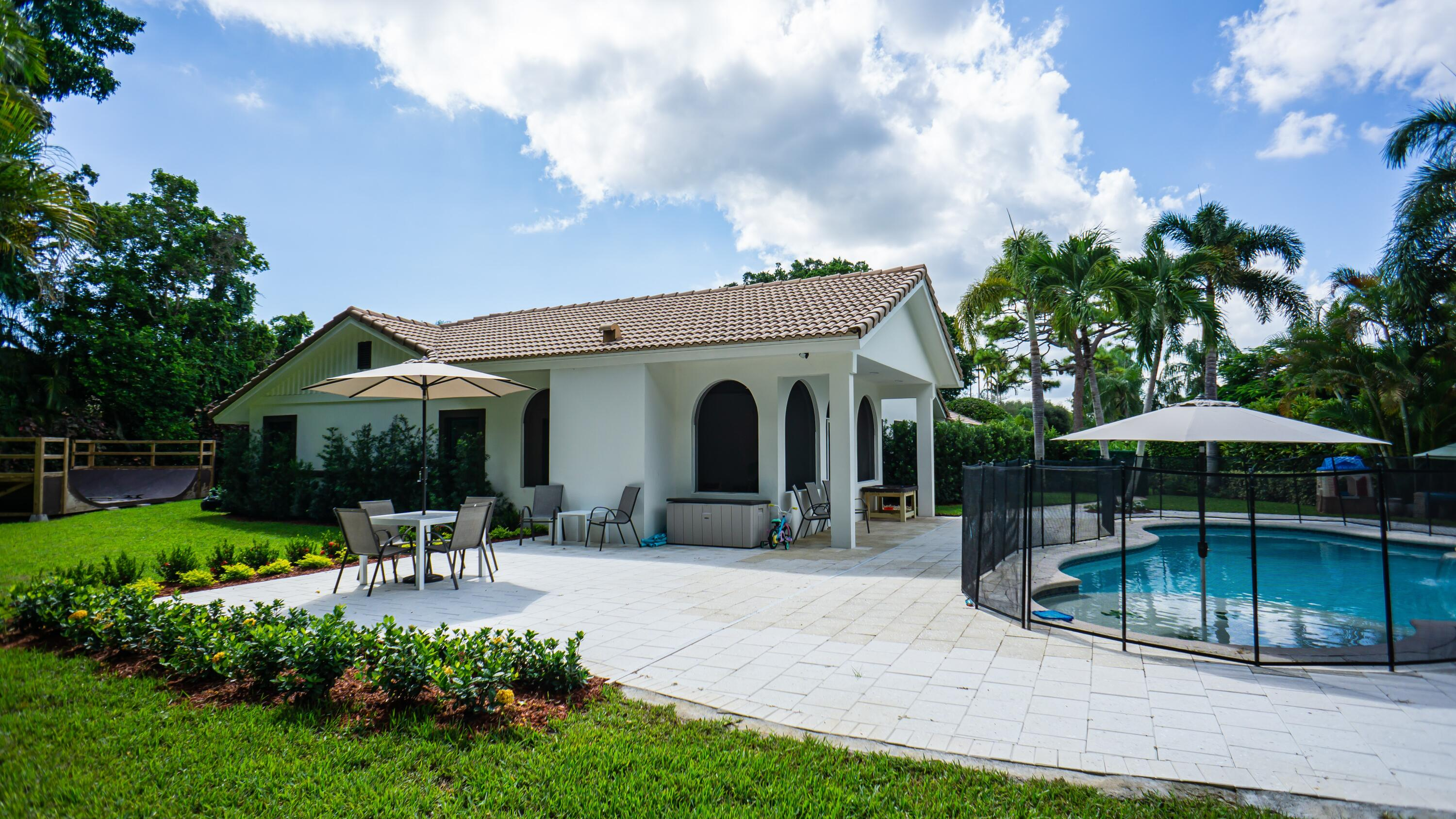 4651  Turnberry Court  For Sale 10752559, FL
