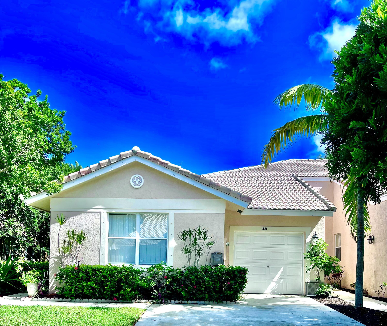231 E Coral Trace Circle  For Sale 10752757, FL