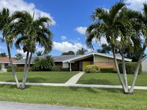 425 Privateer Road, North Palm Beach, FL 33408