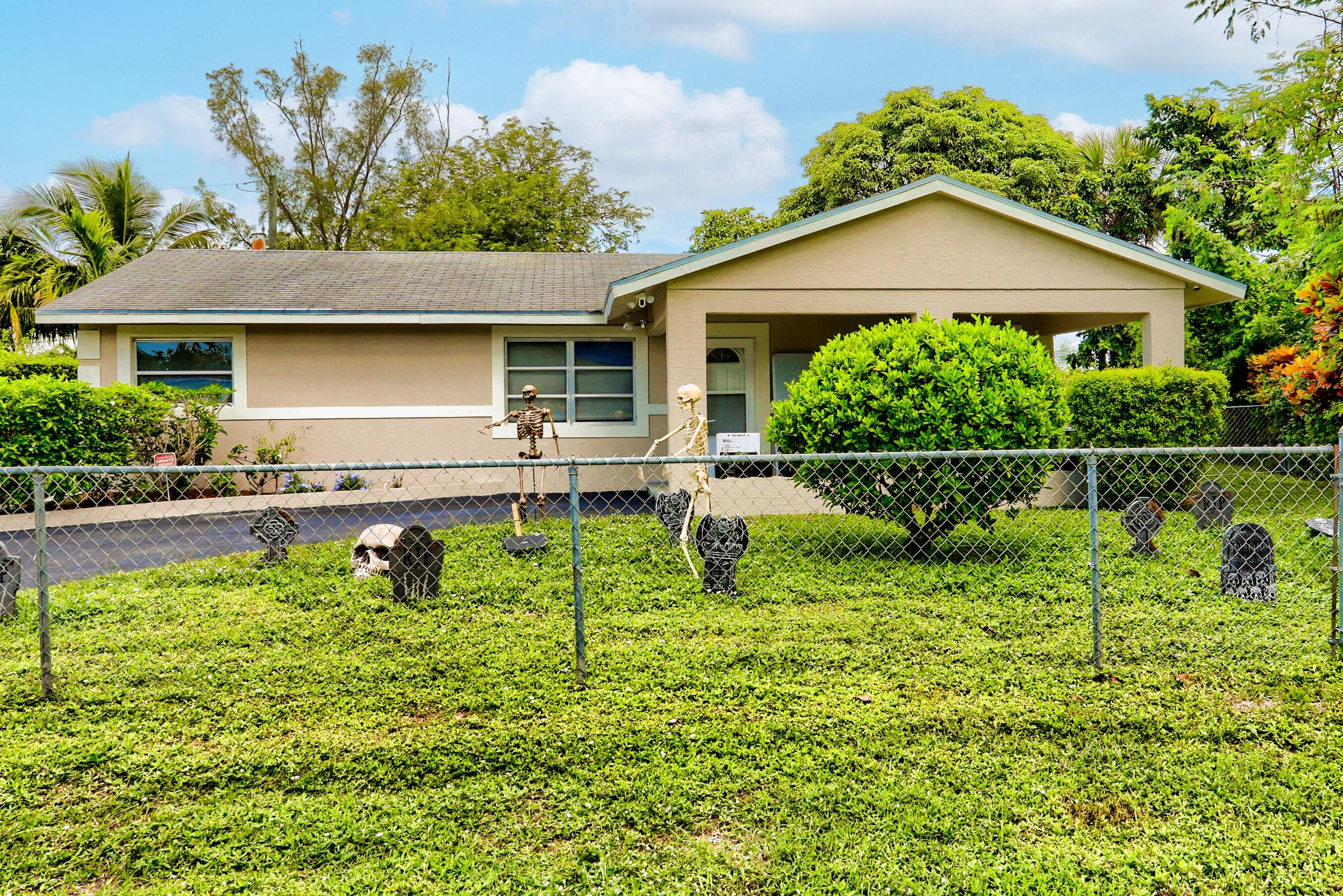 636  Snead Circle  For Sale 10752689, FL
