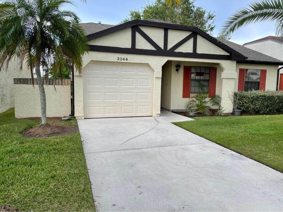 2344 SE Breckenridge Circle  For Sale 10752840, FL