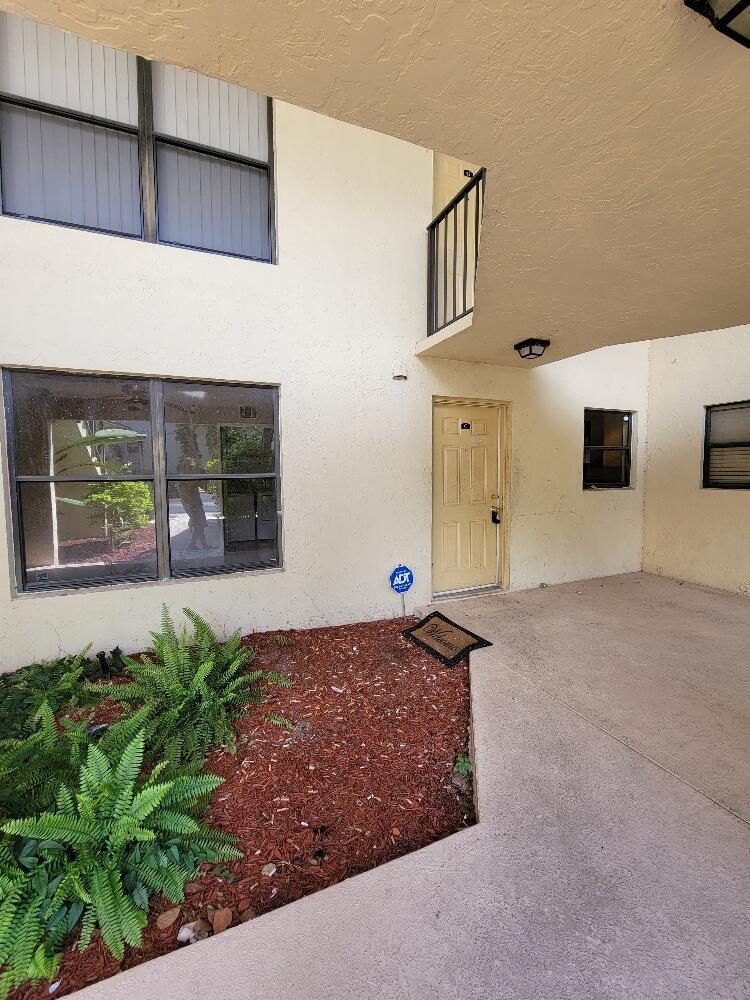1660  Windorah Way C For Sale 10752937, FL