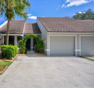 703 Saint Giles Court, Palm Beach Gardens, FL 33418